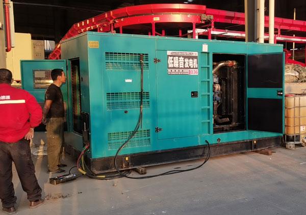 玉柴低噪音350kw发电机组